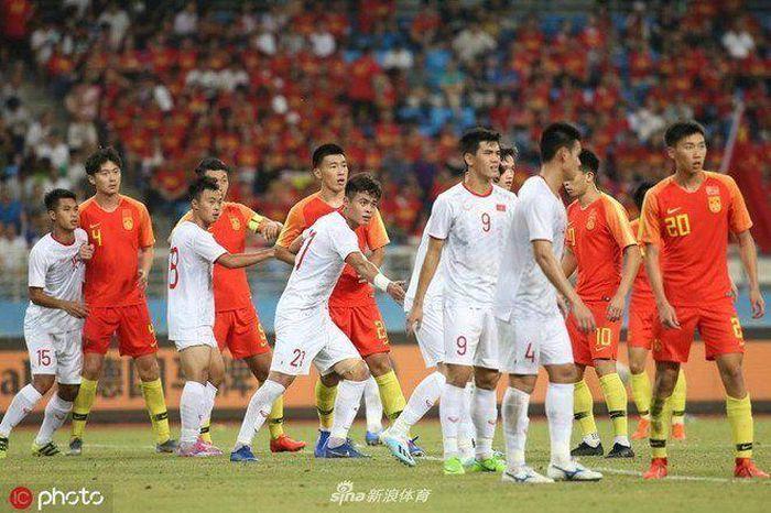 Truyền thông Trung Quốc một lần nữa dành giấy mực để ca ngợi sự trỗi dậy của bóng đá Việt Nam. Ảnh Sina