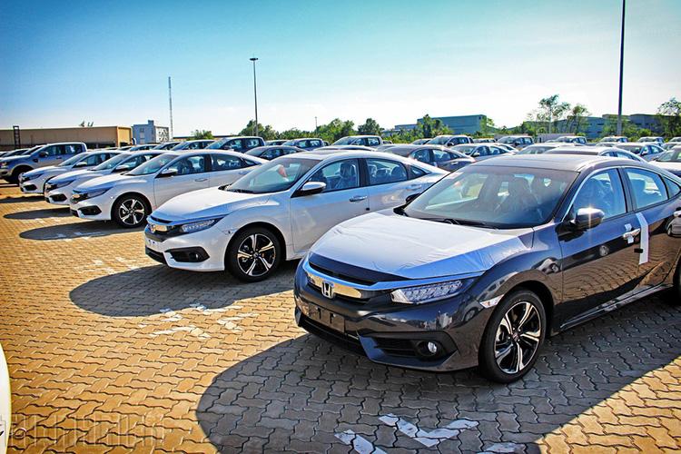 Xe ô tô nhập từ Thái Lan và Việt Nam
