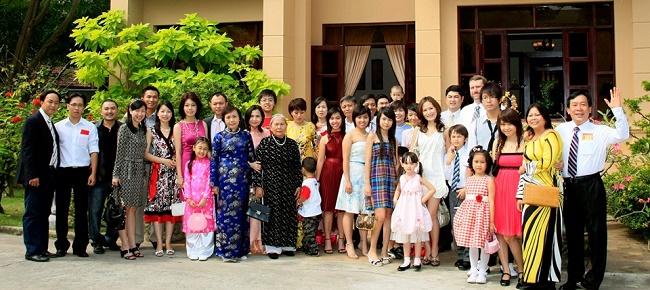 Hình ảnh gia tộc Kim Sơn Group